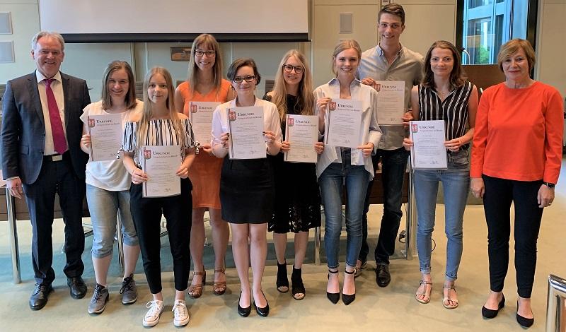 Bündes Beste - Auszeichnung der besten Abiturientinnen und Abiturienten